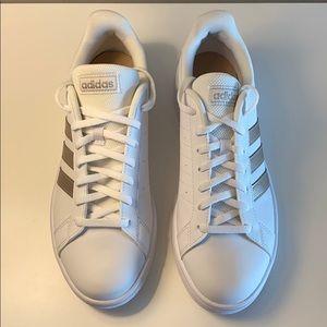 NWOB Women's Adidas Sneakers